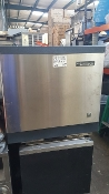 Scotsman 800 Pound ice Maker